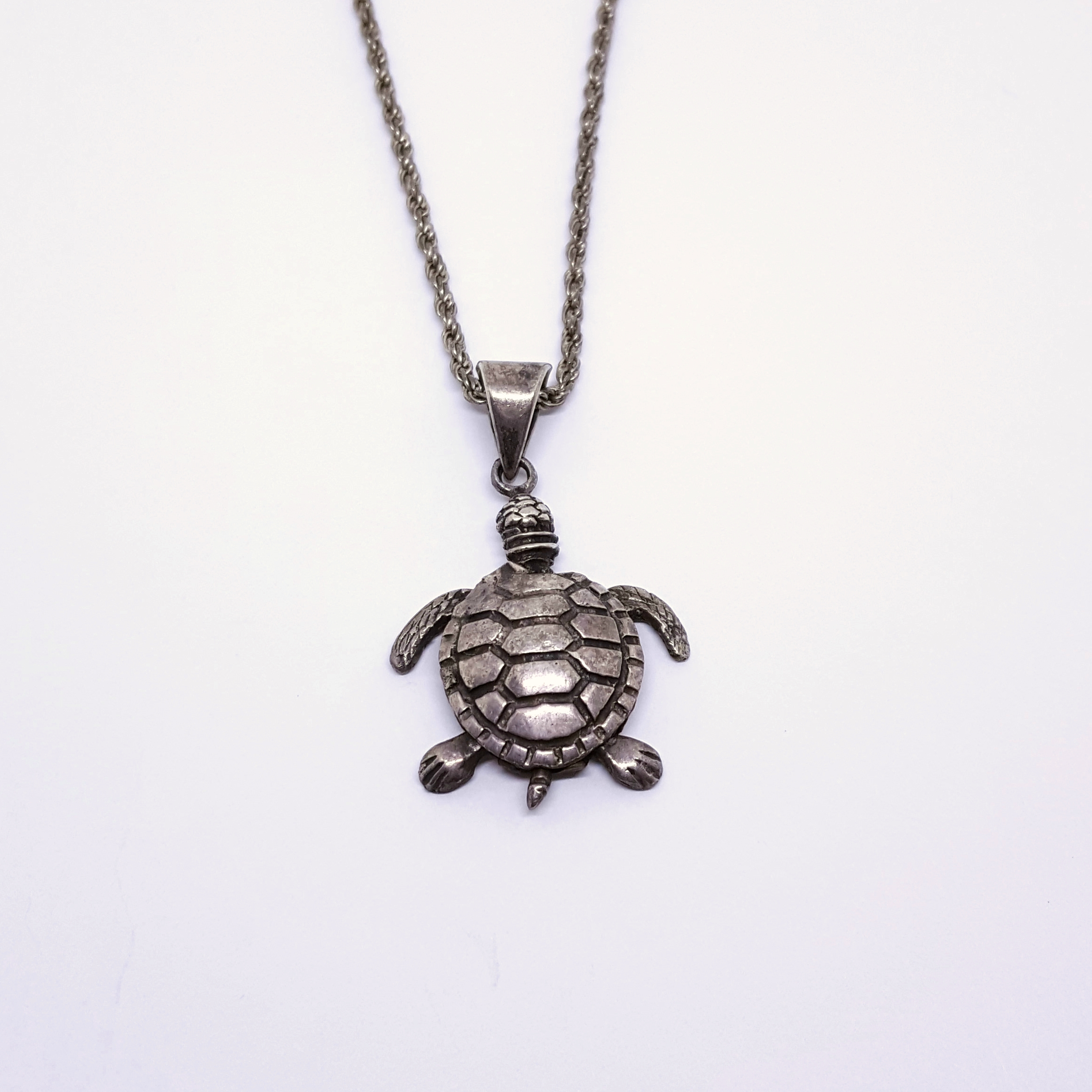 Sterling Silver Articulated Turtle Pendant and Chain
