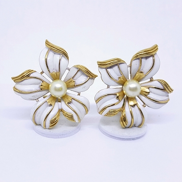 Crown Trifari Flower Earrings With Faux Pearl Center